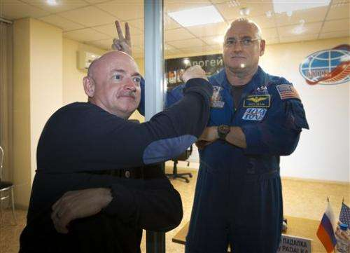 Russian, American ready for a year in space