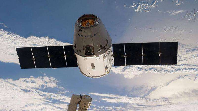 SpaceX resets CRS-6 space station launch to April 13 with booster landing attempt