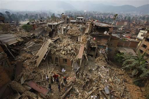 Aftershocks terrify survivors of quake that killed 2,500