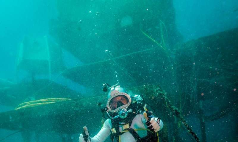 ESA astronauts prepare for underwater training