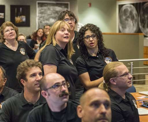 Pluto up close: Spacecraft apparently makes successful flyby