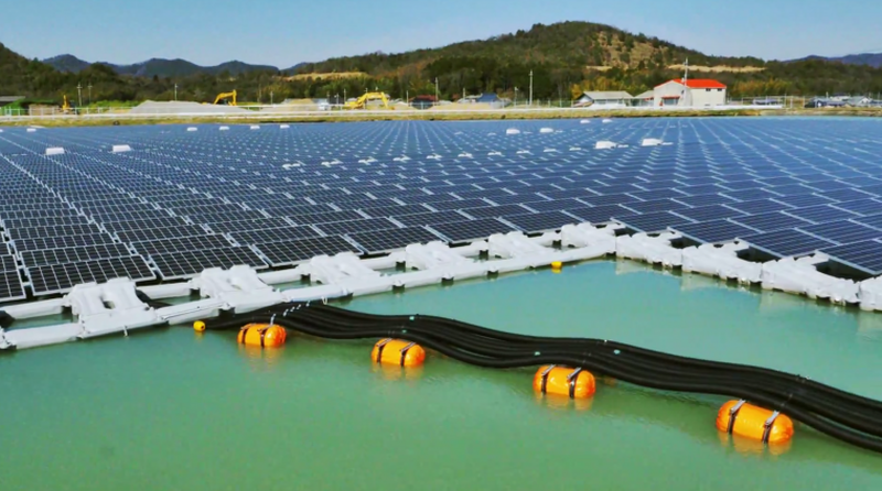 Japan has floating solar power plants in Hyogo Prefecture