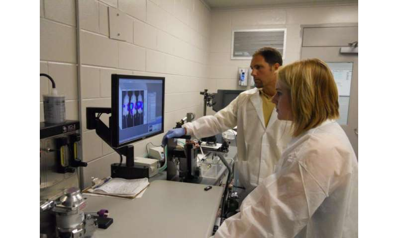 Researchers develop novel ketone supplements to enhance non-toxic cancer therapy