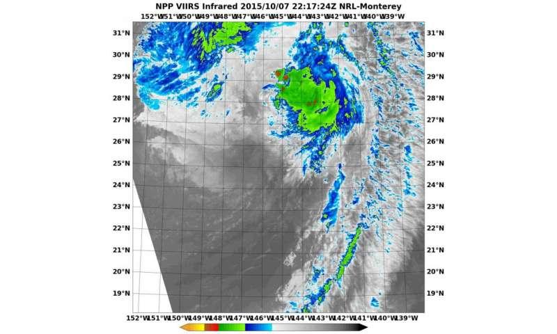 NASA-NOAA's Suomi NPP sees wind-shear battered extra-tropical Oho