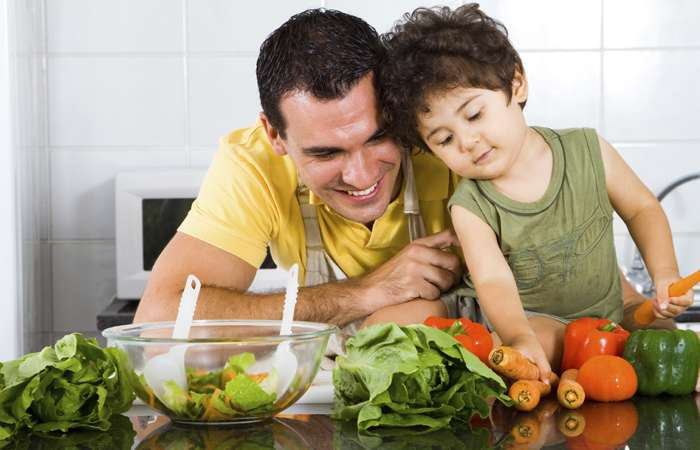 9 tips for parents and kids on how to stay healthy over the summer