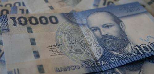 Cash remains king in Chile but its days could be numbered