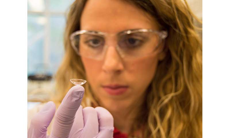 Chemical engineer's contacts could help treat glaucoma
