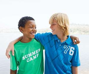 Close friendships in adolescence predict health in adulthood