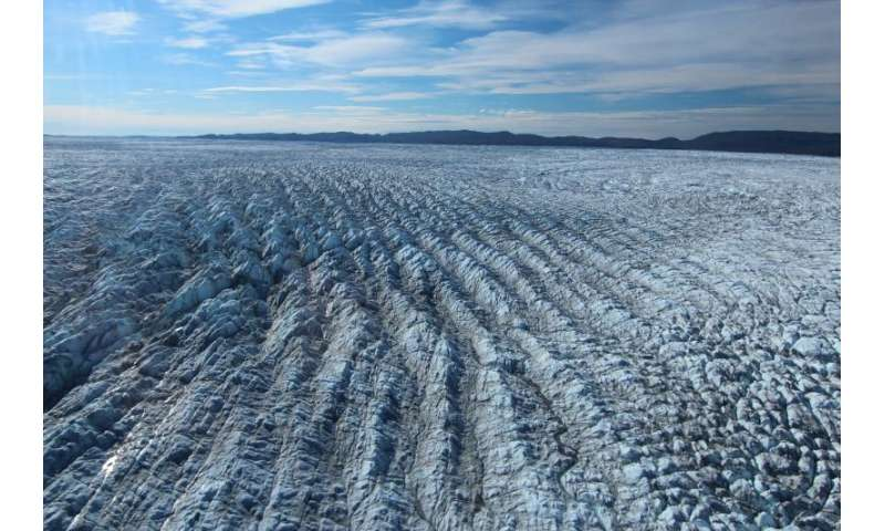 Could changes in Arctic precipitation slow ice sheet loss and temper sea level rise?