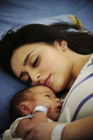 Daily quiet time to improve new mothers' health
