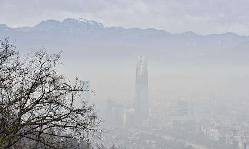 Dangerously high pollution levels have Santiago on the brink of issuing an environmental emergency on June 21, 2015
