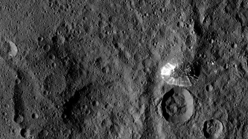 Dawn sends sharper scenes from Ceres