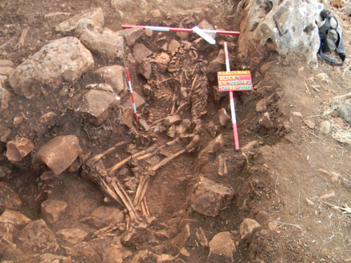 Excavation reveals ancient town and burial complex in Diros Bay, Greece