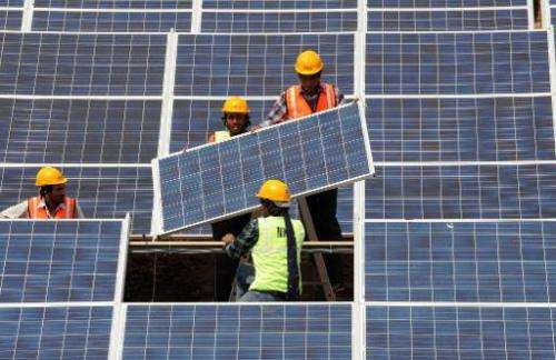 Falling oil prices hinder global efforts to develop renewable energy sources, experts warned on January 17 at a conference in Ab