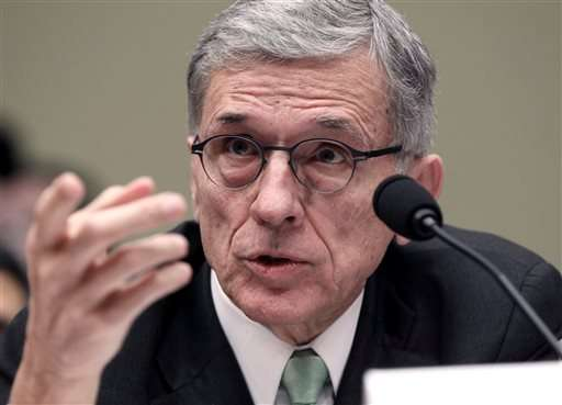 FCC head unveils proposal to narrow 'digital divide'