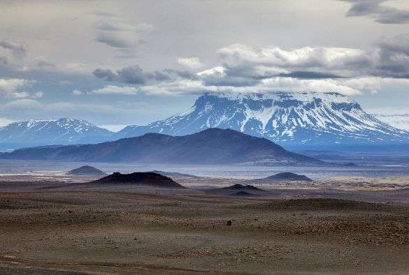 Fragment of continental crust found under southeast Iceland