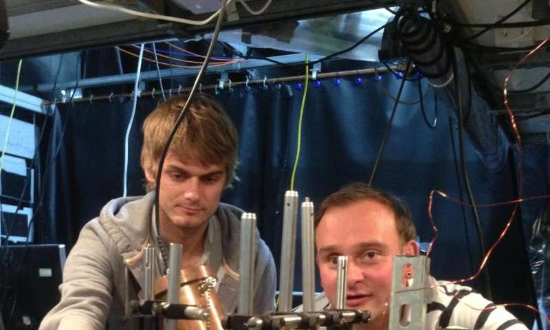 Freezing single atoms to absolute zero with microwaves brings quantum technology closer