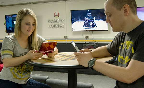 Gamer culture remains crude, rude and male-dominated, UWM study finds