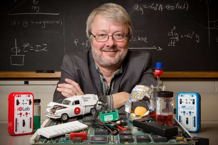 Illinois physics professor named national Professor of the Year
