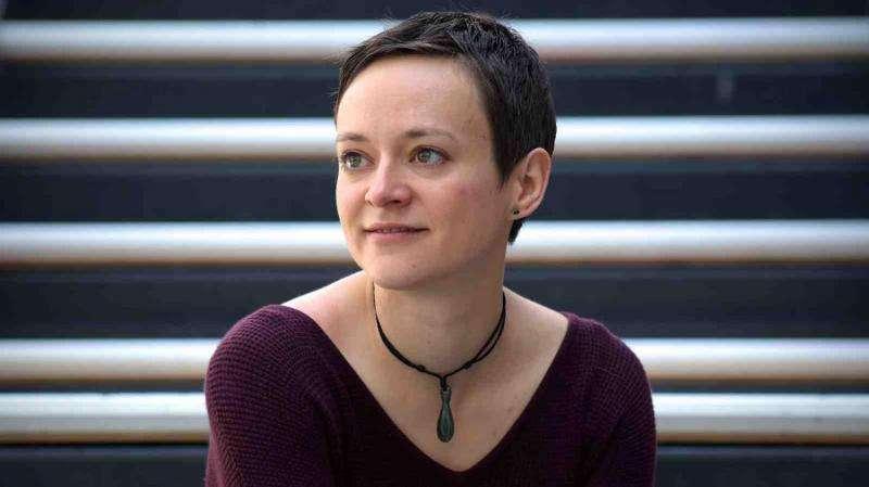 Linguistics researcher uses pop music to teach vocabulary
