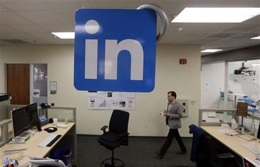 LinkedIn's 3Q results top analyst views, propelling stock