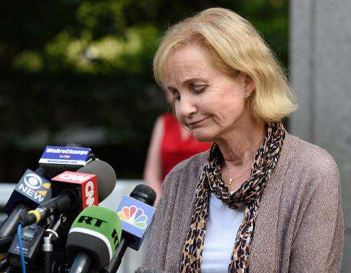 Lyn Ulbricht, mother of Silk Road founder Ross Ulbricht, speaks to reporters outside the Federal Courthouse on May 29, 2015 in N