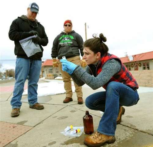 Montana city gets OK to drink water after oil spill in river