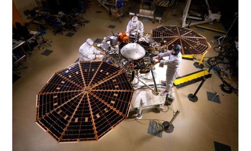 NASA Begins Testing Mars Lander for Next Mission to Red Planet
