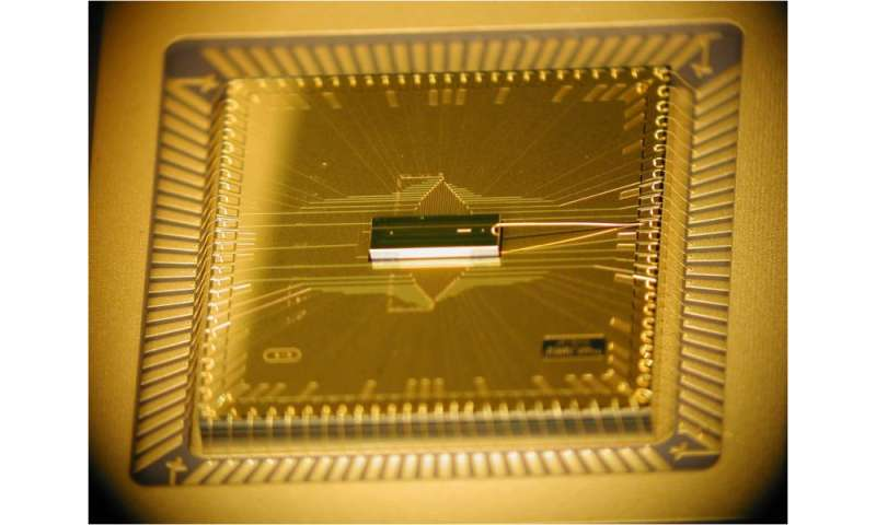 New chip architecture may provide foundation for quantum computer