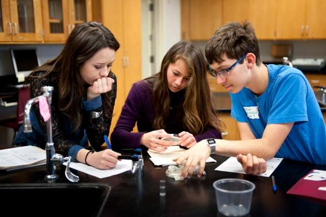 Nonprofit provides hands-on experiments to students and teachers worldwide