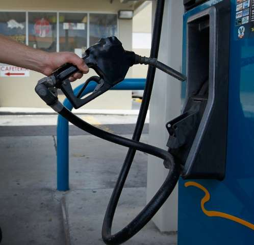 Profits of major oil companies have plummeted since last year, although industry analysts point to a variety of reasons includin