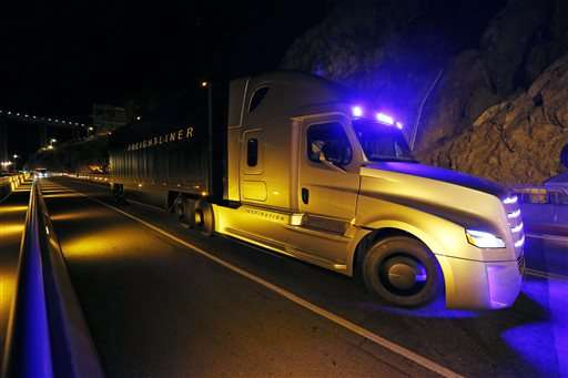 Self-driving semi-truck makes debut on Hoover Dam