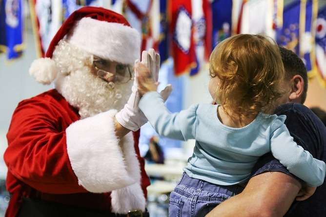 Should you tell your child the truth about Santa? A psychologist's view