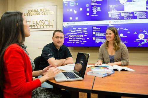 Social media training works best for student-athletes, study shows