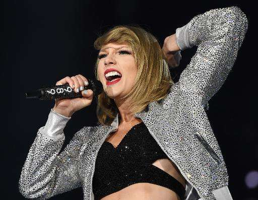 Taylor Swift performs at the Rock in Rio USA music festival, May 15, 2015, at the MGM Resorts Festival Grounds in Las Vegas, Nev