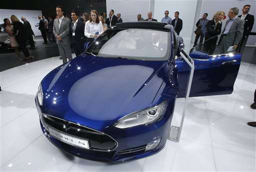 Tesla recalling all Model S sedans for seat belt issue