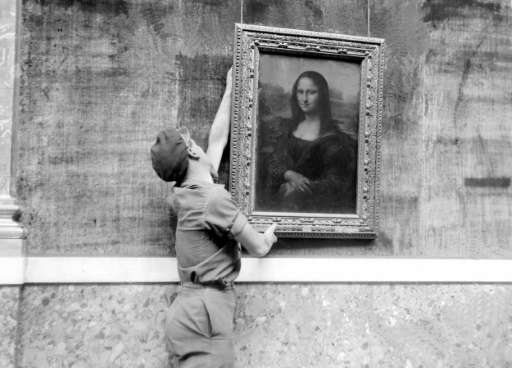 "The ""Mona Lisa"" is one of the world's most famous paintings"