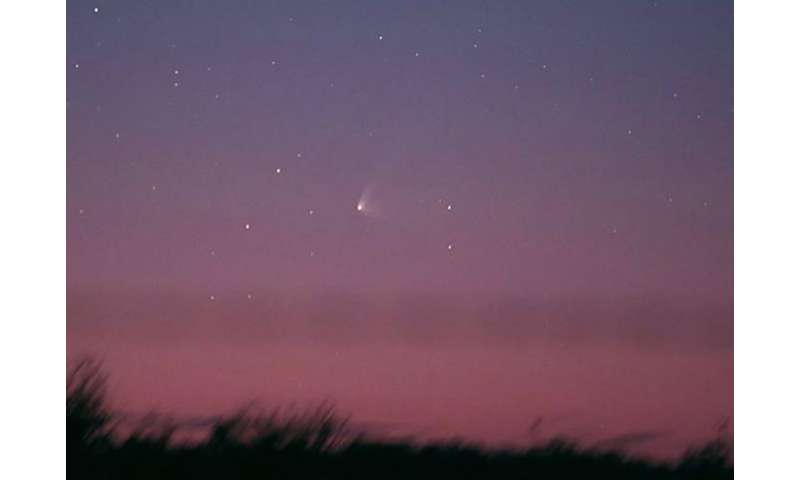 Three-tailed Comet Q1 PanSTARRS lights up Southern skies