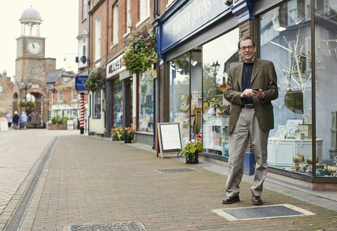 UK town residents to enjoy WiFi connected pavement