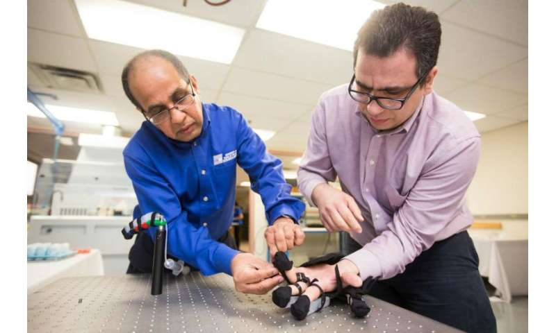 UTARI researchers developing soft robotic glove for post-stroke hand rehabilitation