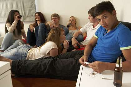 Witnessing drug use can spur immediate antisocial behavior by teens