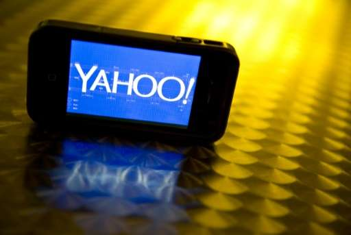 Yahoo unveiled a new mobile application allowing users to exchange live video, text and emoticons, without audio