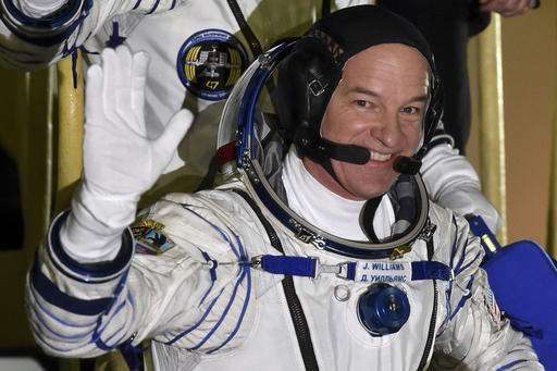 Astronaut breaks US record: 521 days in space and counting