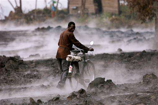 Congo volcano brings farmers rich soil but eruption threat