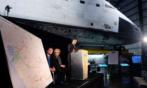 Epic journey through Los Angeles set for space shuttle tank