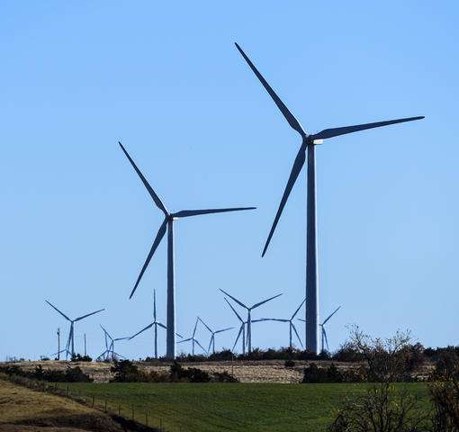 Google hits renewable energy goal in quest to pare pollution