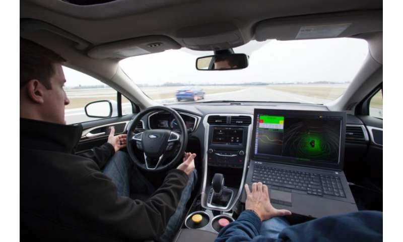 How an autonomous Ford hybrid manages to drive in the snow