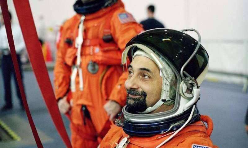 Image: Astronaut Umberto Guidoni in training