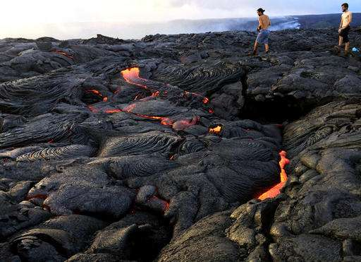 Lava meets the sea, puts on fire-spitting show in Hawaii