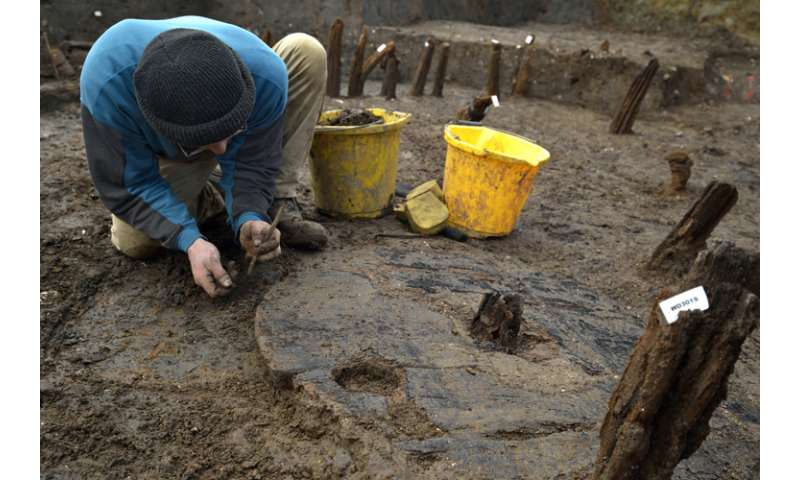 Most complete Bronze Age wheel to date found at Must Farm near Peterborough
